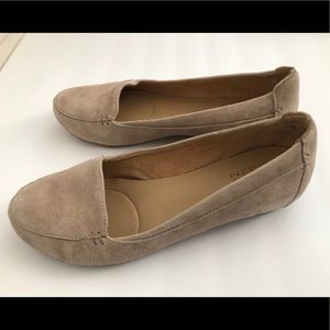 Naturalizer Loafers Tan Suede size 8M